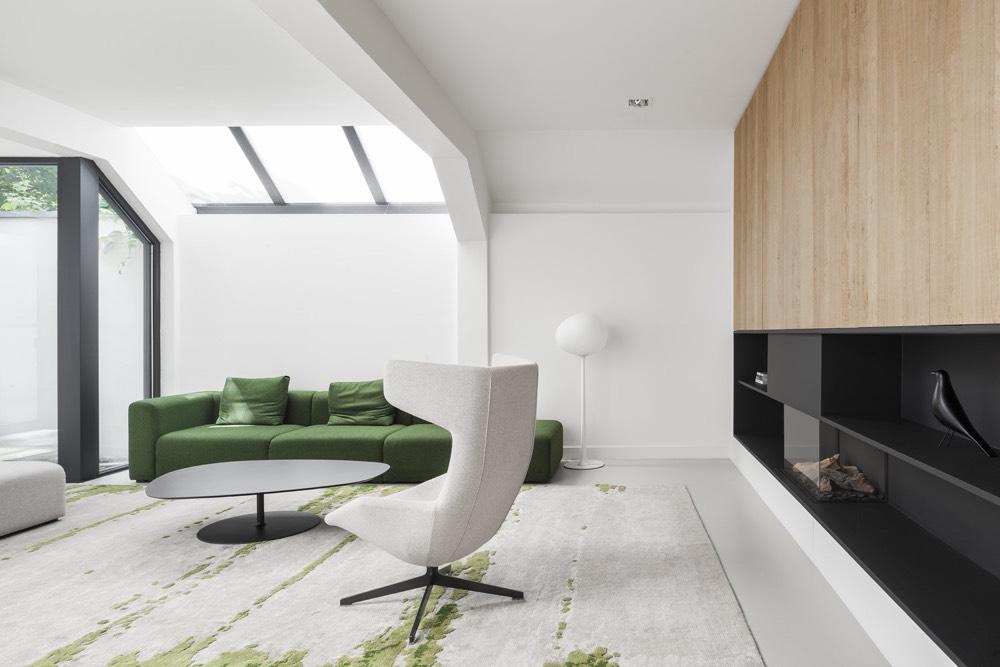 Стиль минимализма в интерьере гостиной