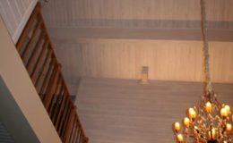 Отделка стен в коттедже от Бригады Ремонта