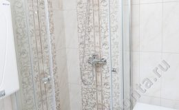 Отделка ванной комнаты с душевой кабинкой