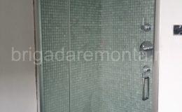 стеклянная дверь в душ,сантехника в душе,дизайн душевой кабины