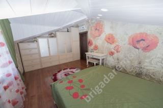 Ремонт гостевой спальни на втором этаже, бумажные обои