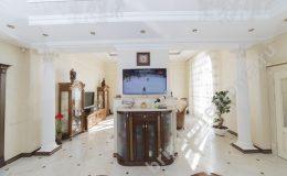 Колонна разделяющая зал и кухню. Ремонт дома