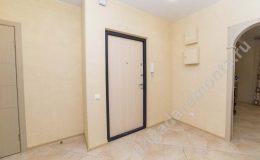 входная дверь в квартиру, ремонт квартиры, окраска стен, укладка плитки