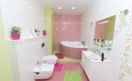 Ремонт коттеджа, детский сан.узел, яркие цвета, туалет, ванна в доме
