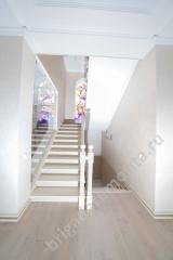 Ремонт коттеджа. Лестница. Первый этаж