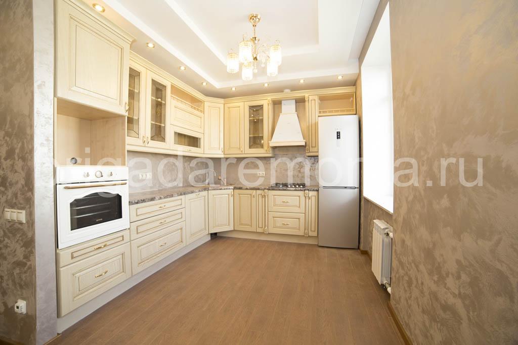Ремонт кухни в сталинке, светлая кухня, монтаж кухни