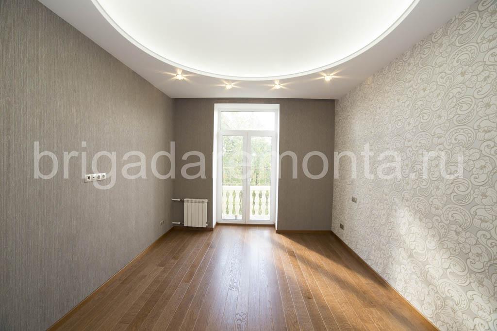 Ремонт в комнате с балконом, балкон, укладка паркета, оклейка обоями