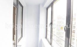 Балкон в светлых тонах