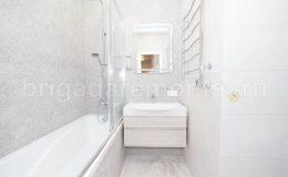 Готовый ремонт в ванной. Светлые тона